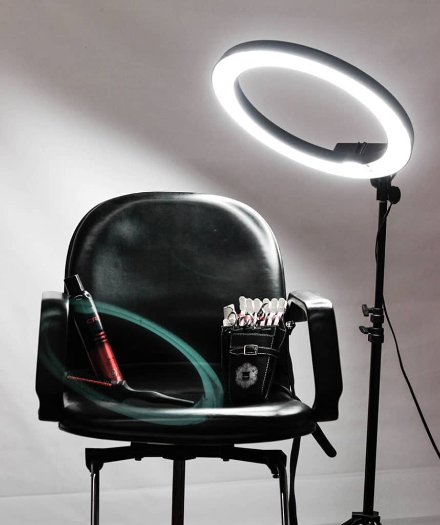Shooting with a circle light or ring light for makeup videos
