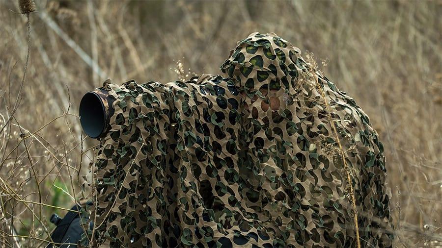Wildlife photographer needs external power for his canon camera