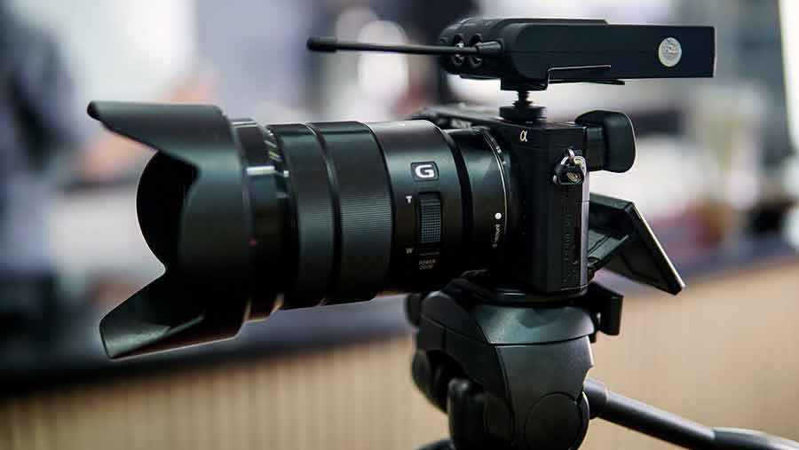 Camera and wireless mic receiver