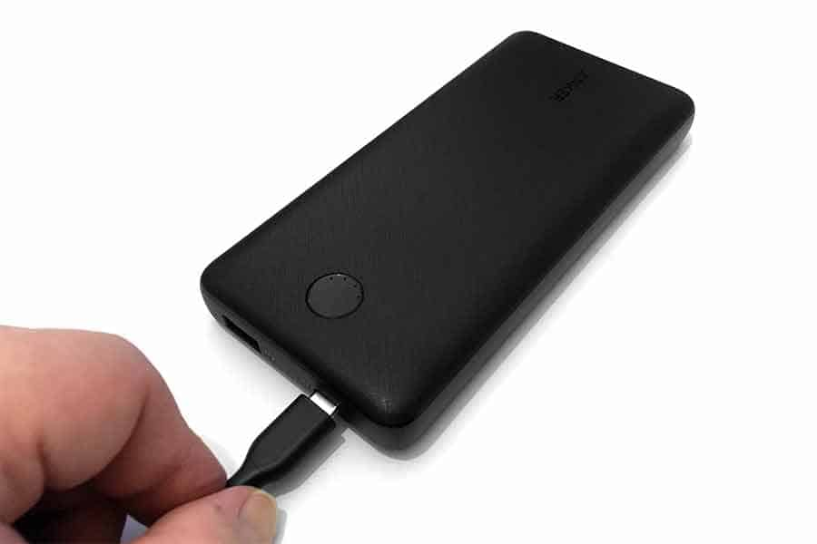 Connecting USB-C charging cable to Anker PowerCore Essential 20000 PD
