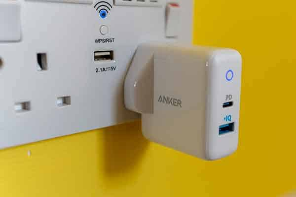 PD-Adapter-in-wall-outlet